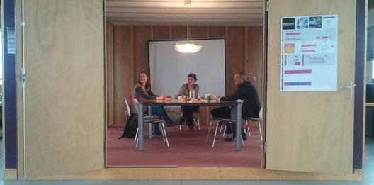 bijeenkomst over comfortabele werkplekken