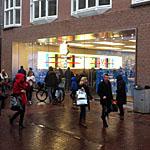 ingang apple store moet bezoekers snel een overzicht van de winkel geven