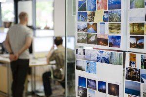 kenniswerker kantoor verbinder samenwerken